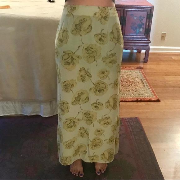 temper Dresses & Skirts - Vintage floral maxi skirt with slit